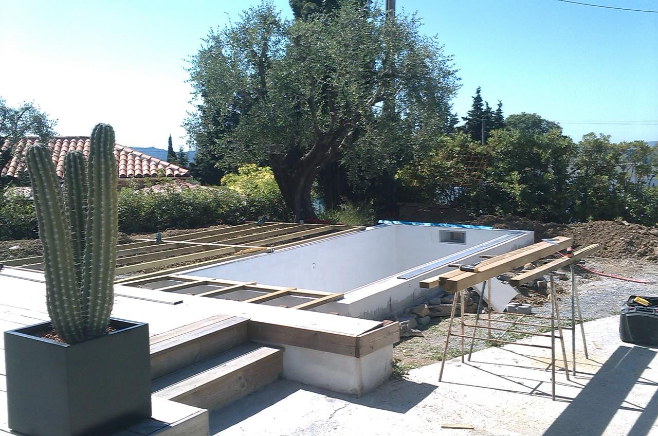 Terrasse bois frejus for Construction piscine grasse